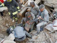 Online: Mrtvých v Itálii je nejméně 120, zraněných stovky. Země se znovu otřásla, spadly další domy