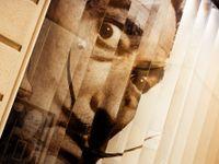 I 28 let po Dalího smrti zůstal jeho pověstný knírek neporušený. Zázrak, prohlásil ohromený lékař