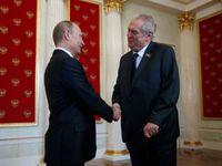 Zeman se v Číně sešel s Putinem, jednali o IS i obchodu