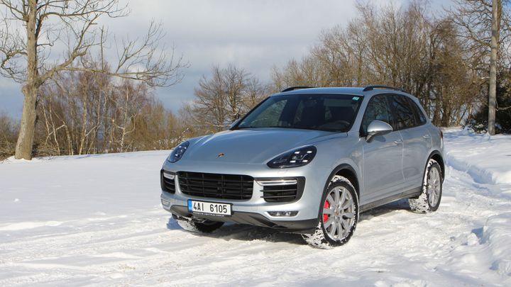 Nejrychlejší SUV světa od Porsche zvládne vše, ukázal test