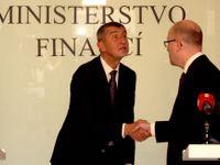 """Fotoblog: """"Právě jsem dostal padáka."""" Nejlepší ministr financí se balí, přichází pan Pilný"""