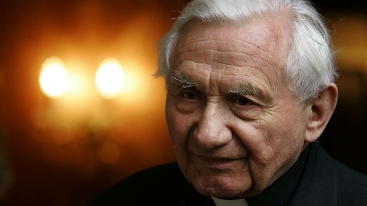 Zemřel německý kněz Georg Ratzinger. Bratrovi bývalého papeže bylo 96 let