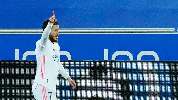 En-Nejsrí vstřelil hattrick a vládne střelcům La Ligy, Real dotáhl k výhře Hazard