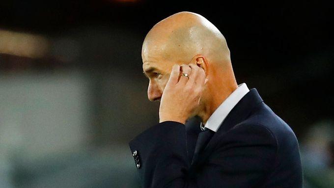 Zinédine Zidane si stěžoval po zápase Realu v Pamploně.
