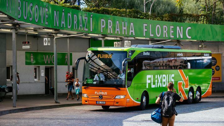 Zelené autobusy proti žlutým. Otestovali jsme, čeho se bojí Jančura