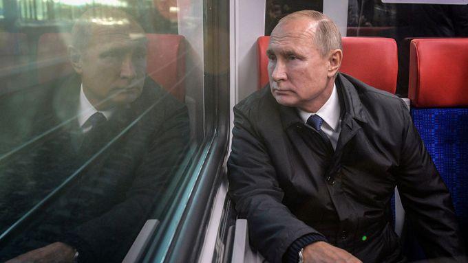V Rusku končí referendum, změny v ústavě Putinovi umožní zůstat u moci