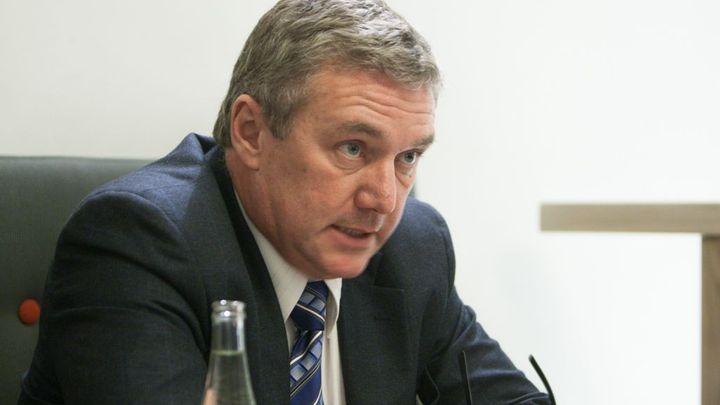 Ministr dopravy chce víc peněz. Chystá zakázky za 54 miliard