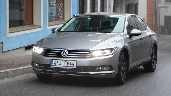 Nový VW Passat umí dlouhé přesuny se spotřebou pod 6 litrů