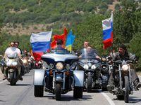 Češi: Putinovi motorkáři musí mít povolení. Jinak mají smůlu