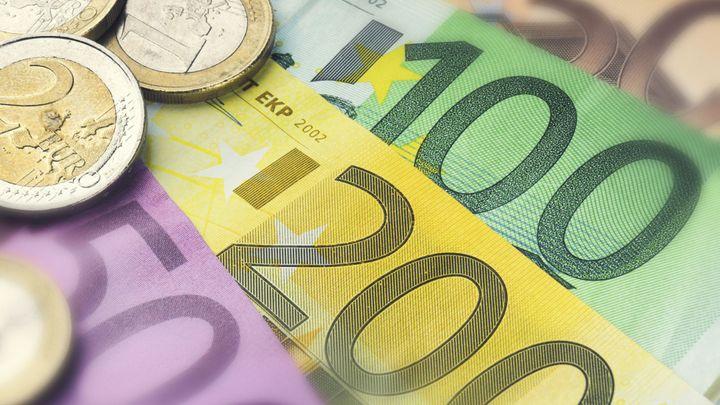 Nízké úroky mohou ohrozit až čtvrtinu pojišťoven v EU