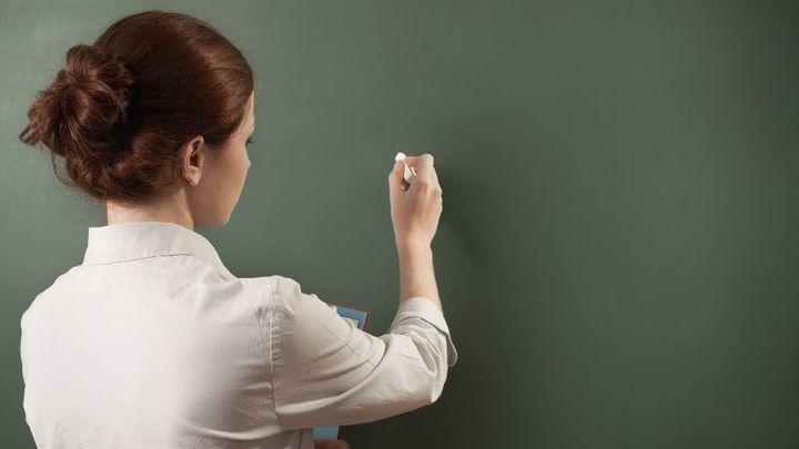 Na školách by mohli učit i odborníci bez pedagogického vzdělání, schválila sněmovna