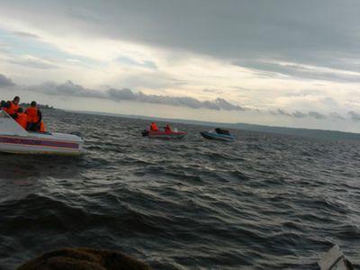 V Černém moři se srazila ruská výzvědná loď s plavidlem, které převáželo zvířata. Celá se potopila