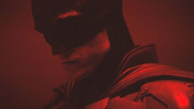 Batmana bude v novém filmu hrát Robert Pattinson (na snímku). Jestli se objeví také v seriálu, zatím není jasné.