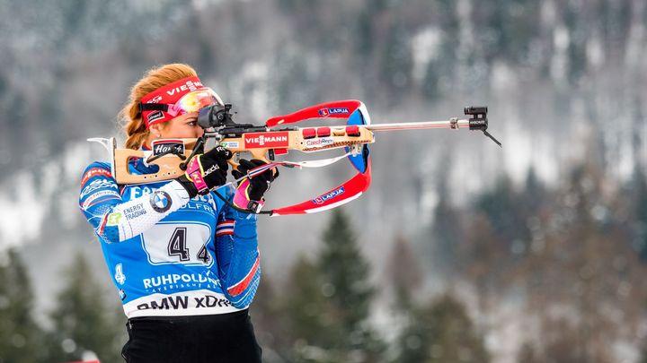Živě: Biatlonistky běží závod s hromadným startem, Koukalová útočí na další medaili