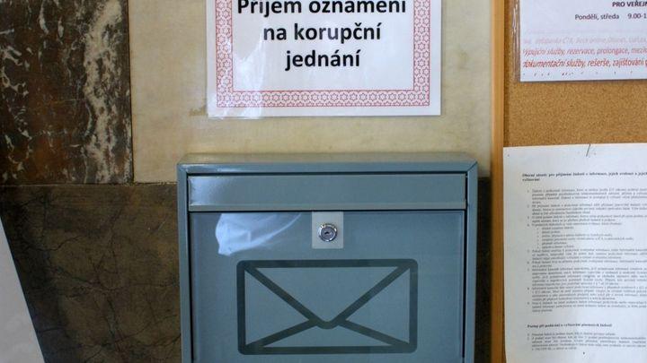 Pište Babišovi. Úřad zřídil schránku proti korupci