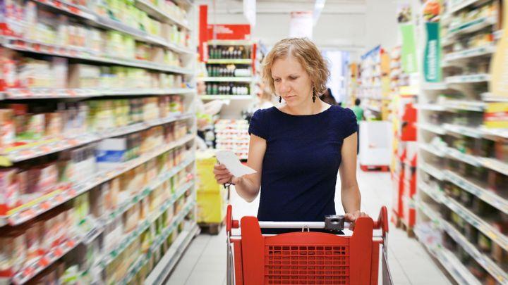 Zdražování zpomalilo, oproti říjnu ceny dokonce klesly