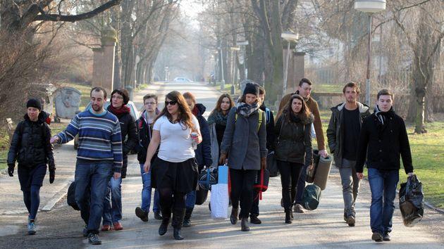 """Dvanáct studentů vysokých škol jde v pražských Bohnicích na """"příjem"""". Odborníci z Ligy lidských práv pro ně připravili program, který jim má přiblížit, jak se cítí pacienti tuzemských psychiatrických léčeben."""
