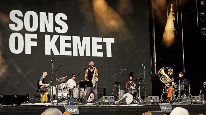 Sons of Kemet na Colours: Postavili jsme vaše paláce, teď sedáme k vašemu stolu