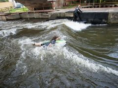 River surfing na Labi.