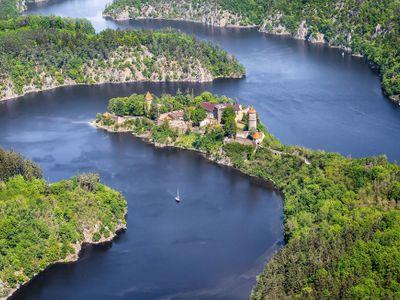 Podívejte se na snímky Vltavy z výšky. Od pramenů až po historická města a slavné hrady