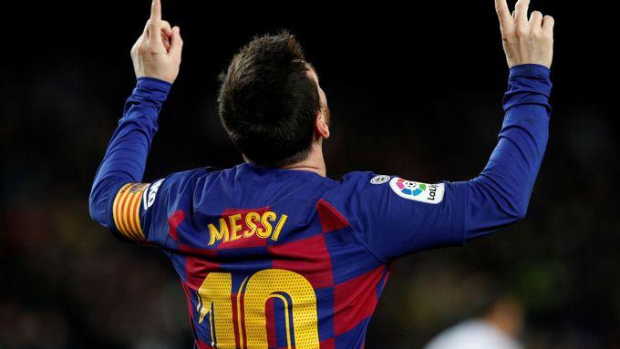 Messi trefil 700. gól panenkovským dloubákem. Video od fanoušků je hitem internetu