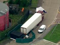 Policisté v Anglii našli v nákladním autě 39 mrtvých lidí, řidiče zatkli