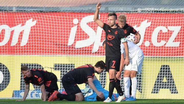 Jablonec si stěžoval na gól Hradce, vyrovnal v 99. minutě. Baník zvítězil v Liberci; Zdroj foto: ČTK