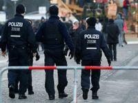 Útočník v autobuse v Lübecku pobodal 14 lidí, policie ho zatkla. Cestující vyskakovali, líčí svědek