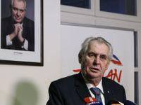 Živě: Zeman zatím demisi vlády nepřijme. Nemá čas, připravuje se na duel s Drahošem, oznámil Hrad