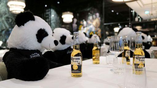 """Instalace medvíků panda nese název """"Panda mie""""."""