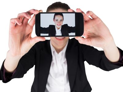 Analýza obličeje, rozpoznání hlasu. Pandemie firmy učí, jak ověřit klienta na dálku