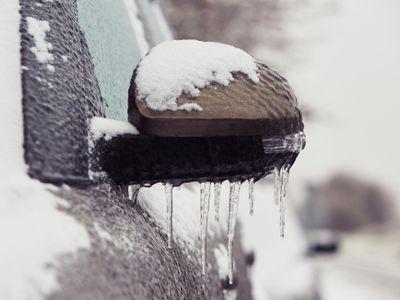 Čechy se ocitnou pod náledím. Napadaný sníh zmrzne, varují meteorologové
