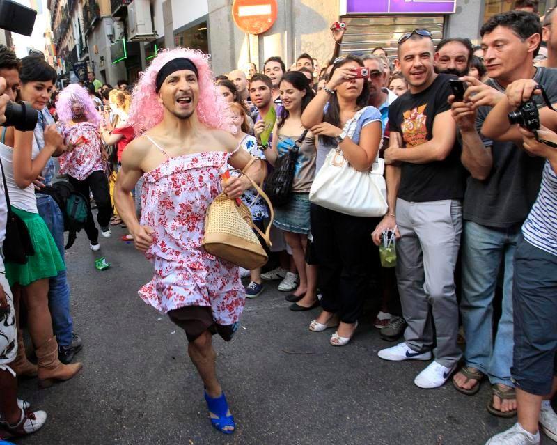 31d9c7735c9 V Madridu závodili muži v běhu na podpatcích - Aktuálně.cz