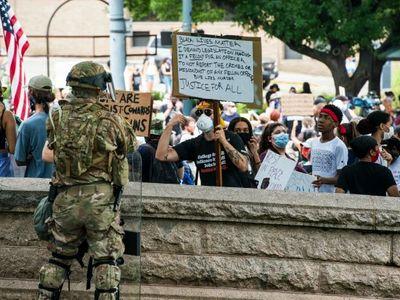 Armáda do ulic nepatří. Kromě Trumpa to vědí všichni, i jeho ministr obrany