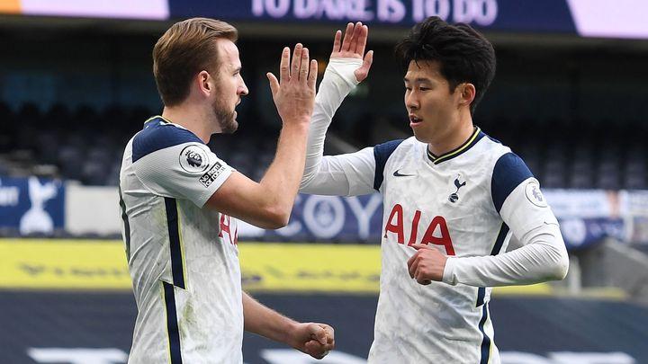 Smrtící letka Kane - Son vrátila Spurs do hry, Arsenal vyhrál potřetí za sebou