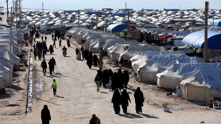 Z kurdských táborů už prchly stovky žen a dětí islamistů. Francie se děsí navrátilců
