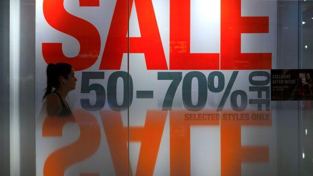 Internetové obchody spustily výprodeje. Pozor na falešné slevy 521de41131
