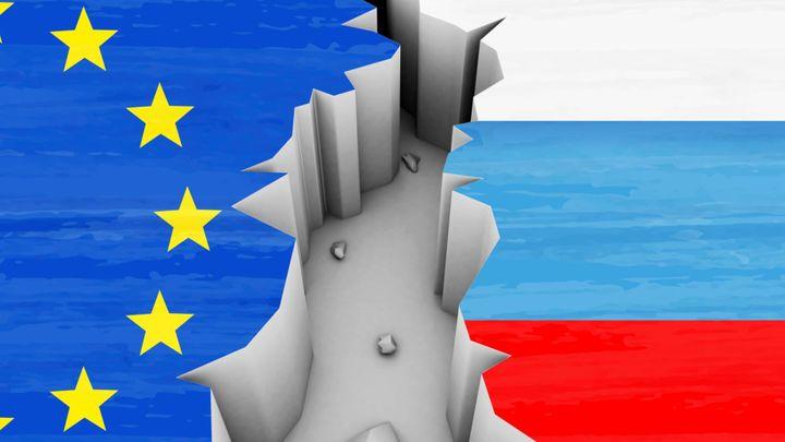 Sankce zatím nezabraly, Rusko neustupuje. Evropa je má držet
