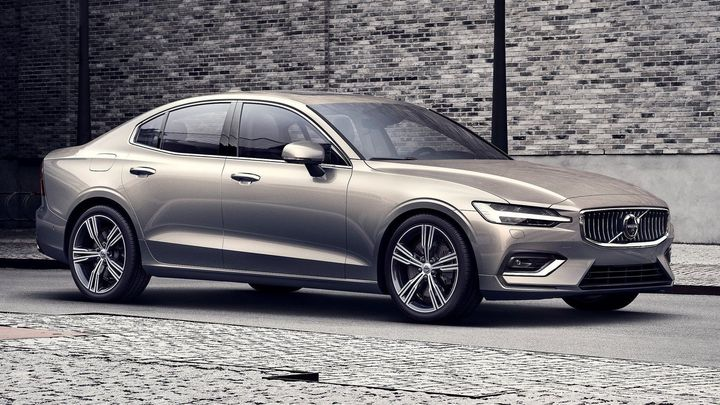 Volvo už vyrábí auta i v USA. Pionýrem je sedan S60, který skoncoval s naftovými motory