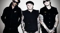 "The Prodigy se po šesti letech vrací na festival Rock for People, s sebou přivezou ""the best of"""