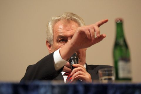 Czech president Zeman invited Putin to Prague many weeks ago