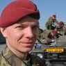 Nadporu��k Marek �t�p�nek (27), velitel mise.