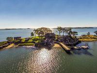 Soukromý ostrov snů je na prodej. Stačí zaplatit 275 milionů