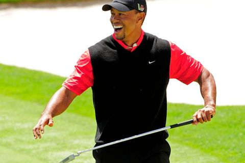 VIDEO Chuck Norris? Takhle se pere Tiger Woods