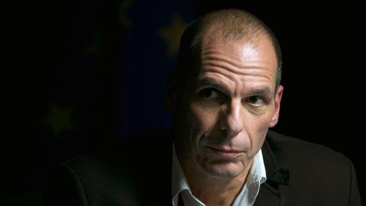 Varufakis varuje: Odchod Řecka z eurozóny strhne lavinu