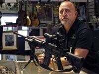 Je Amerika připravená na změnu? Po floridském masakru znovu sílí volání po kontrole zbraní