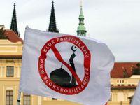Z Bloku proti islámu je Iniciativa Martina Konvičky. Úsvit kvůli milionům hrozí soudem