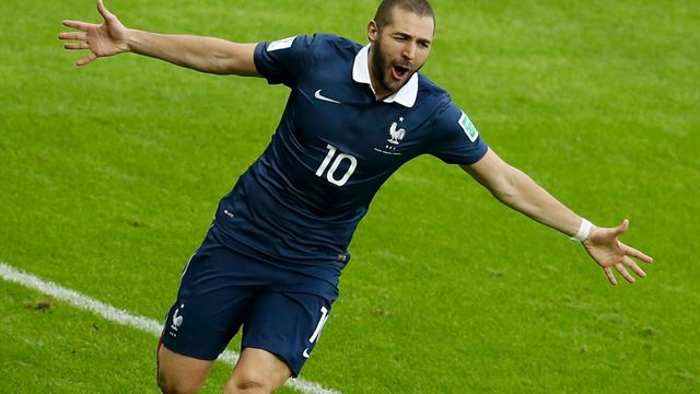 France's Karim Benzema celebrates his goal against Honduras during their 2014 World Cup Group E soccer match at the Beira Rio stadium in Porto Alegre, June 15, 2014. REUT