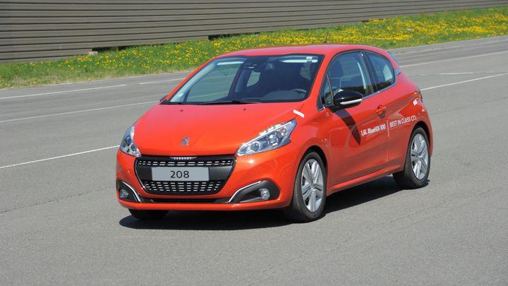 Sériový Peugeot 208 umí jezdit se spotřebou dva litry