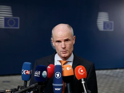 V Praze nejsou žádní migranti jiné barvy pleti, zbili by je tam, řekl nizozemský ministr